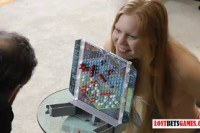 Раздевается порно ххх видео 1 guy with 4 cute girls play a game of