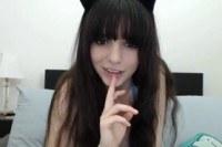 Порно ххх видео Horny teen pussy rub on webcam