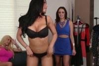 Киски порно ххх видео Busty lesbo pornstar threeway with romi