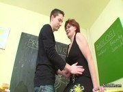 Училки порно ххх видео Milf teacher show young german boy how