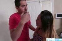 Порно ххх видео Brunette natalia gets a helping cock