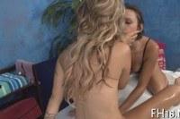 Порно ххх видео Lezzies on the massage table