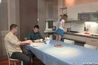 Порно ххх видео Sex dessert on a kitchen table