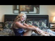 Порно ххх видео Hd hot blonde teen strips and cums on