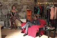 Шлюхи порно ххх видео Redhead agent whore does sexy dance for