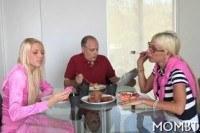 Порно ххх видео Arousing threesome fornication