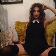 Голая модель Эмили Ратажковски
