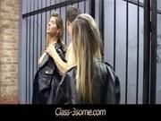 Две Девушки и Парень порно ххх видео Burning mff 3some in the prison
