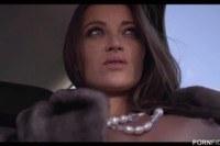 В машине порно ххх видео Lucky driver gets to fuck his hot
