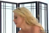Массаж порно ххх видео Big boobed blonde masseur plays with