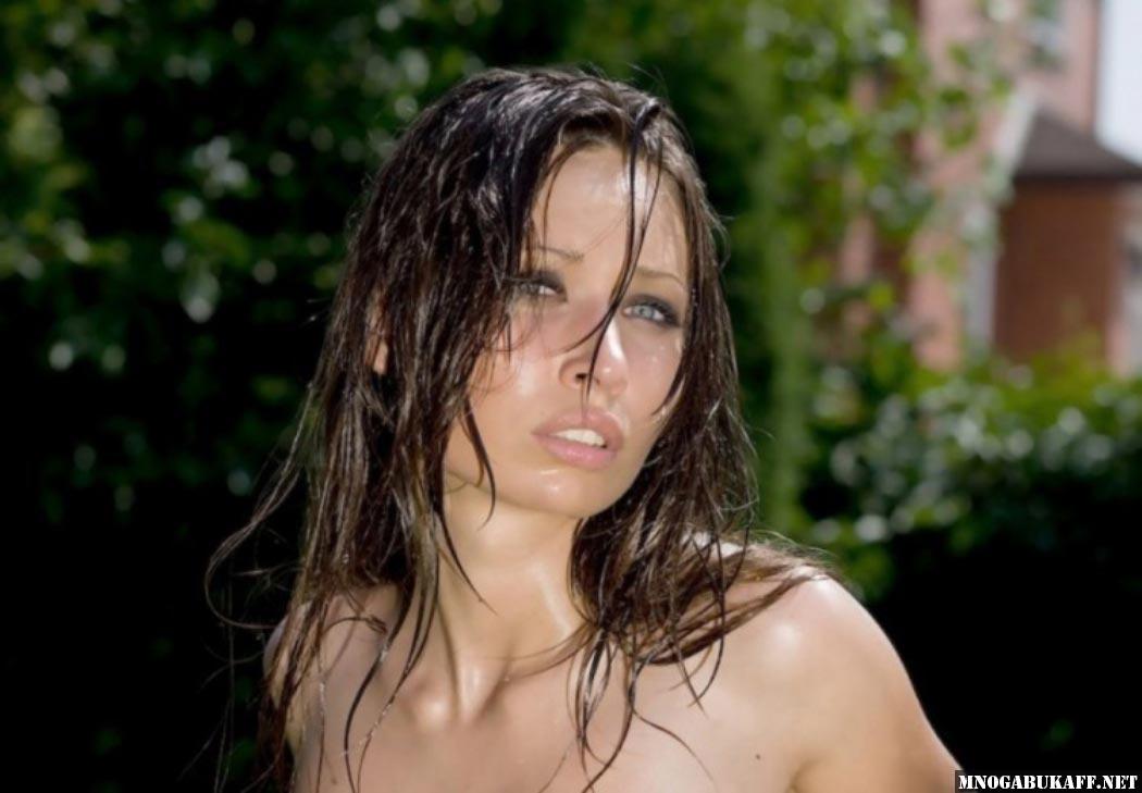 Голая Юлия Михалкова в журнале Maxim и кадры из видео