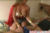 Домохозяйки порно ххх видео Hot milf giving handjob