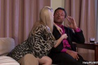 Порно ххх видео Blonde wife rides strangers cock