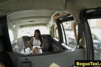 Огромные сиськи порно ххх видео Nubian babe rides cab drivers cock