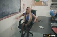 Минет порно ххх видео Tegan just wants to give herself an