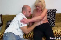 Порно ххх видео Granny gets a young guy for herself