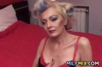 Старые порно ххх видео Granny fingering her old pussy
