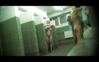 Скрытая камера порно ххх видео Group hot moms spied in a public shower
