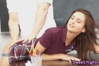 Порно ххх видео Sexy college teen fucked