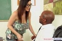 Порно ххх видео Chesty coed noelle easton gets black