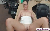 Порно ххх видео Brunette babe with glasses screwed hard