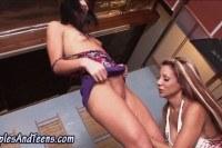 Групповое порно ххх видео Pussy munching teen slut