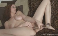 Соло порно ххх видео Busty redhead with glasses masturbating