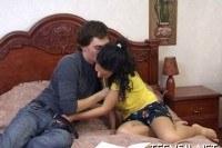 Любительское порно ххх видео Sexy teen seduces her boyfriend